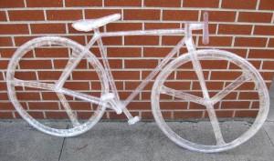 Sepeda_Wow, 6 Karya Seni Ini Dibuat dari Lakban